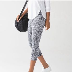 LULULEMON Wunder Under Crop Leggings Paisley